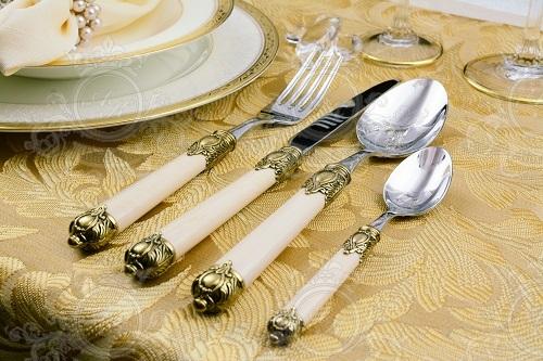 Эксклюзивная серия от Casa Bugatti RIDA ivory gold.